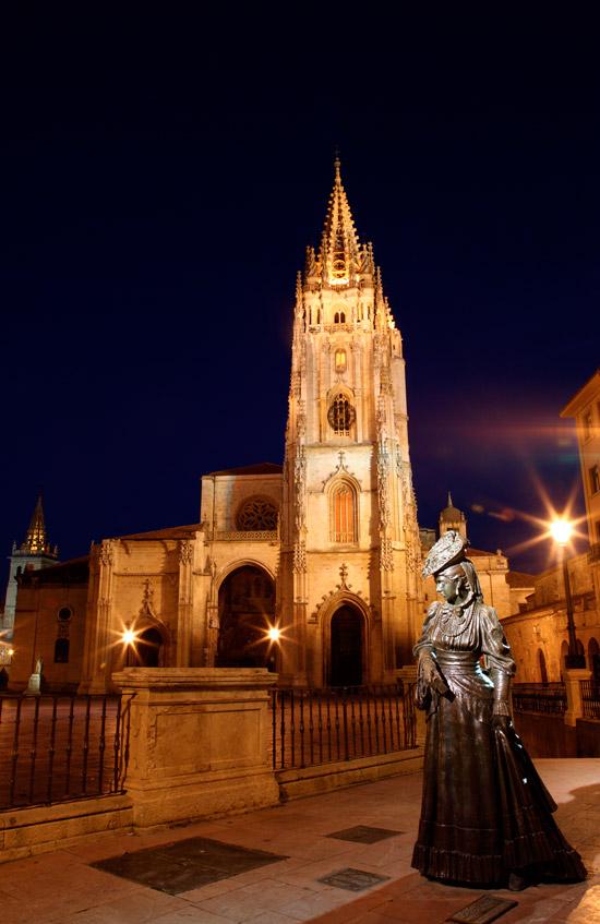 La Regenta y Catedral de San Salvador de Oviedo