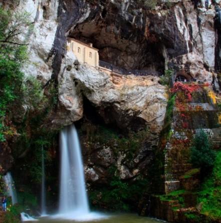 Cueva de Covadonga