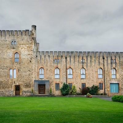 Leyenda de la Torre de Valdés